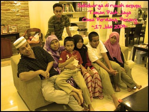 gambar family di rumah kak nida